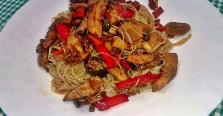 Fabulosa receta para Pasta china con pechuga de pollo y salsa de soja. Riquísima…