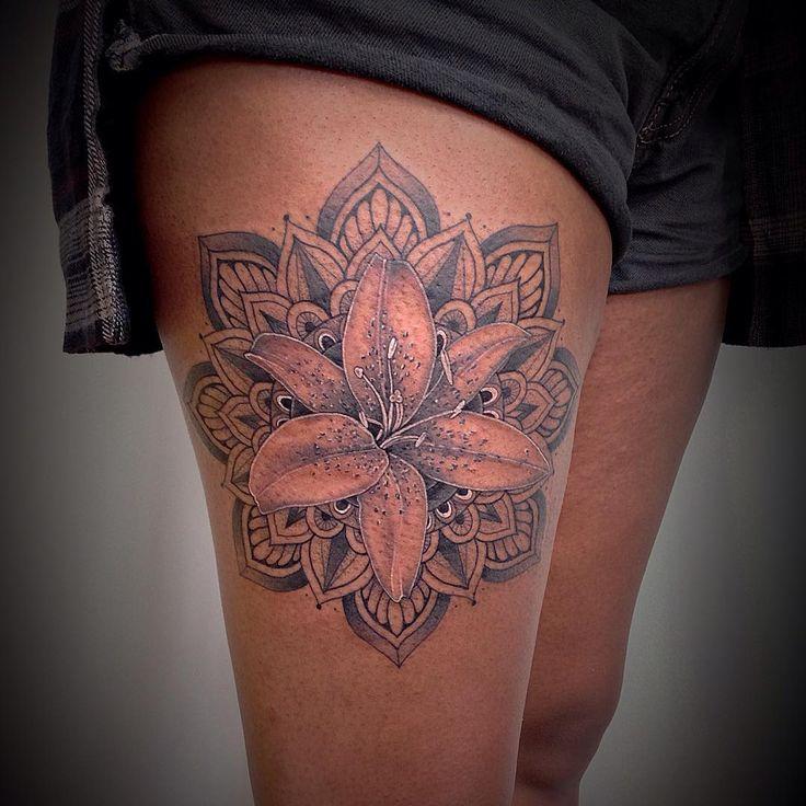 Lou Hopper Is Stunning Beautiful Stunning Tattoos: 20+ Beste Ideeën Over Lelies Tatoeage Op Pinterest