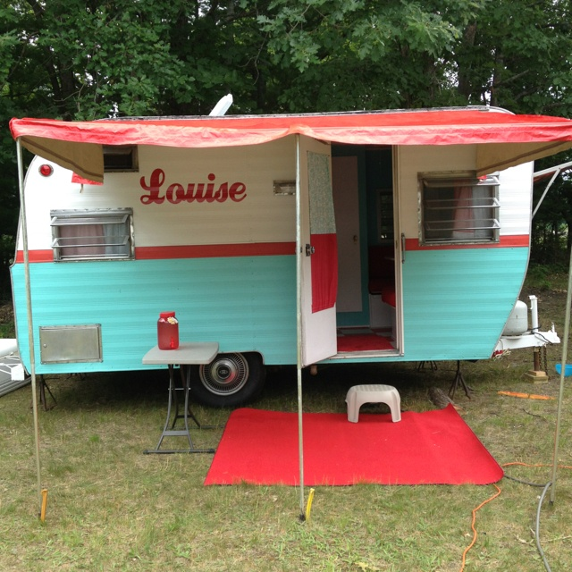 1966 Vintage Canned Ham Camper. I could paint truck camper like this with stripe to match the truck and vintage turquoise/white