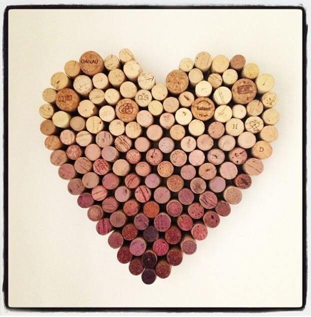 Wenn ihr gerne Grauburgunder trinkt, solltest du diese Ideen sofort ansehen - DIY Herz aus Weinkorken