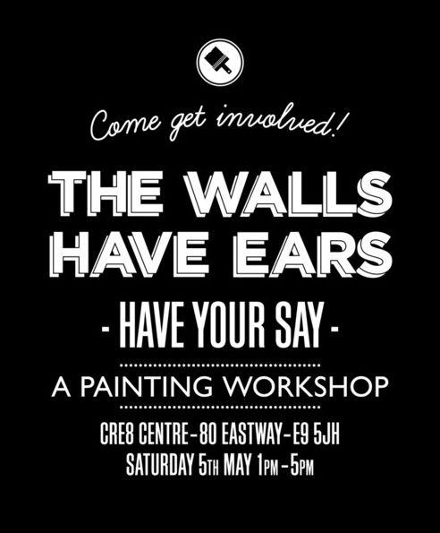 """Il collettivo inglese The Bread Collective ha l'iniziativa """"The Walls Have Ears"""". I ragazzi che hanno partecipato al progetto di riqualificazione della zona, avevano i nonni che lavoravano in quelle industrie, sono cresciuti sentendo le storie di quegli edifici e di qui muri. Gli stessi muri su cui oggi hanno dipinto grandi caratteri tipografici, colorati, moderni, freschi."""