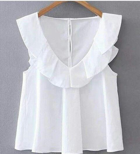 Blusa blanca con vuelos