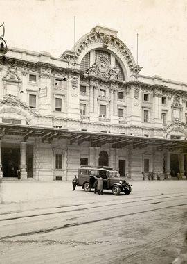 """1927 - La prima direttissima. Insieme alla stazione di Napoli Mergellina viene inaugurata  la """"direttissima"""" Roma-Napoli: la prima di questa tipologia, pensata per consentire velocità di marcia sostenute."""