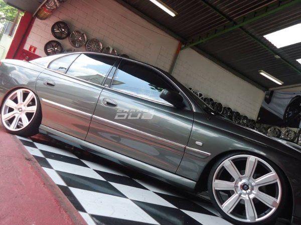 Carro: Omega Fittipaldi Edition Cor: Cinza Marca da Roda: Replica Modelo da Roda: Bentley Aro: 20 Modelo Pneu: Perfil Pneu:  225/35/R20 Método de Re