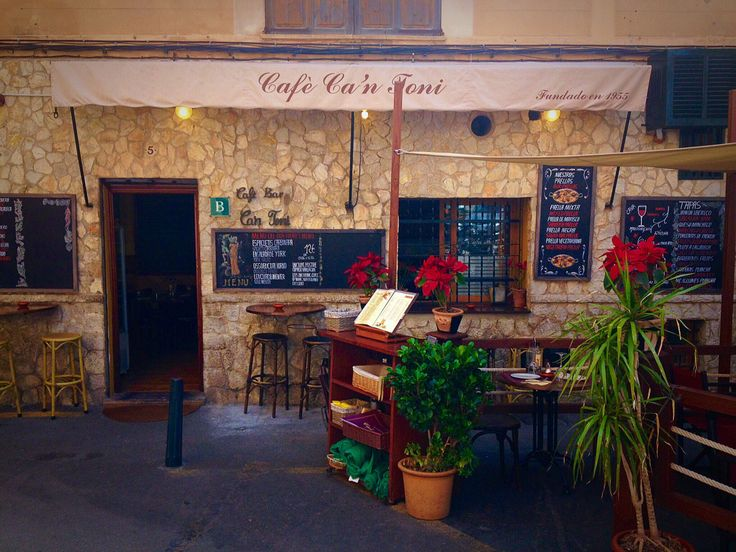 Lovely little place to eat in Palma.