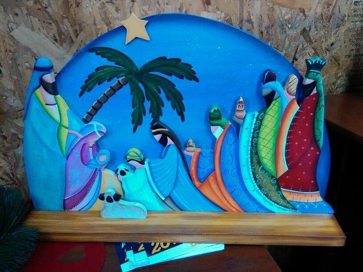 pesebre cortado y pintado en madera....Llico de Arauco, region del Biobio Chole
