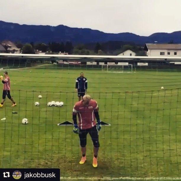 Great reaction save.. @jakobbusk @1.fcunion  _______________________________________________________goalkeepertraining #goalkeepercoach #goalkeepercoaching #torwart #torwarttraining #torwarttrainer #keeper #målvakt #målvaktsträning #gktrainer #gktraining #gktrainingvideos #gardiendebut #portiere #book #books #målmandstræning #soccer #football #fussball #sport #bramkarz #bramkarze #goleiro #goleiros #portero #kaleci #love #training #soccer #followme