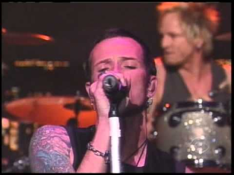 """Velvet Revolver: """"Slither"""" (live David Letterman Show 2004) thanks...it's not the media...becuse i should have been talking in private about the feud & what us gnr fans though...it's the DAMMN PEANUT GALLERY!!! also love you Scott!!!"""