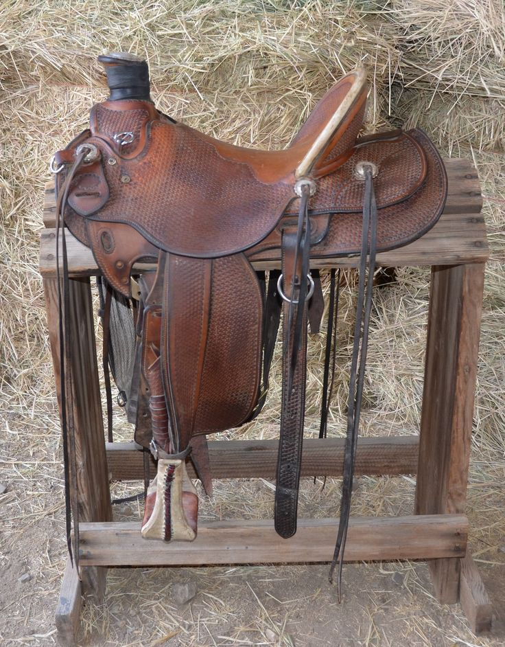 "15 1/2"" Custom Made Dave Clowes Wade Saddle for Sale - For more information click on the image or see ad # 35857 on www.RanchWorldAds.com-SR"