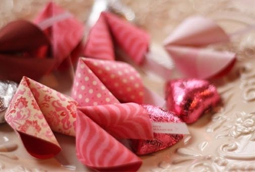 Valentines Day - Ideas - Click image to find more holidays & events Pinterest pins... could be any color not just for V day for sure... cute paper cookies
