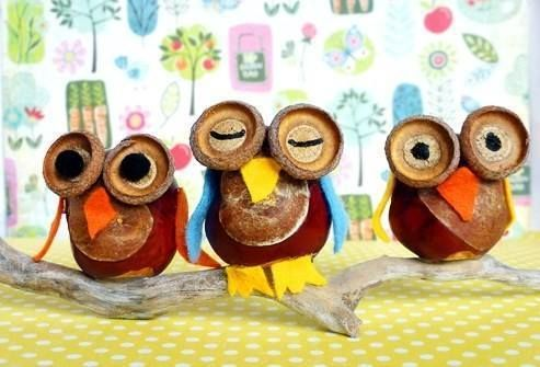 Who wouldn't want a few of these happy little creatures in an autumn display?