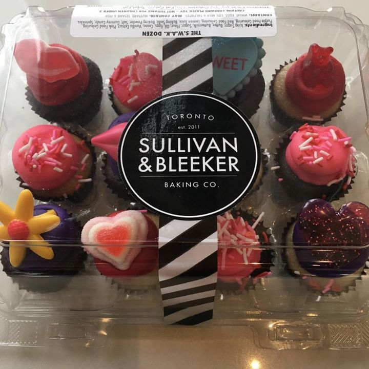 Looking for that special #valentines #treats #xoxo come into Urban Fare Catering and Food Shop and pick up these lovely #nutfree #tastey #yummy @sullivanbleeker #sullivanandbleeker mini cupcakes