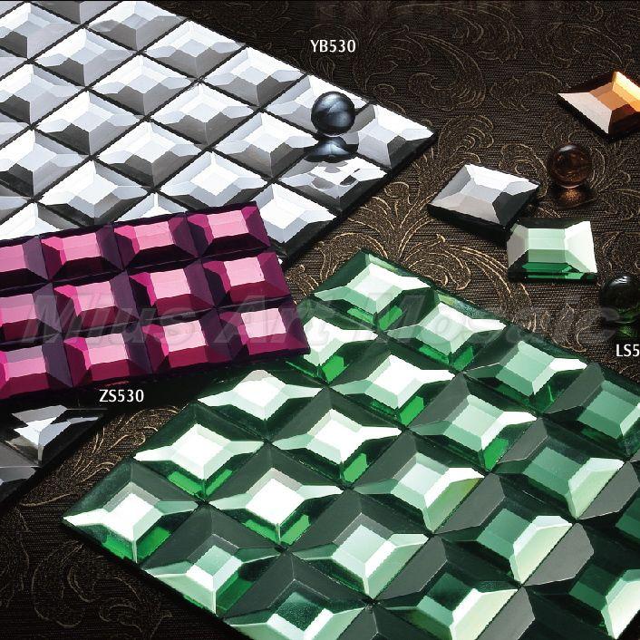 Barato Preços de fechamento de prata Brilhante cor 5 enfrentou espelho diamante mosaico de vidro China telha de vidro backsplash GB001, Compro Qualidade Mosaicos diretamente de fornecedores da China: dicas quentes:1. O preço é baseado em 1 lote quantidade aboved, 1 lote = 11 metros quadrados = 1 metro quadrado. 2