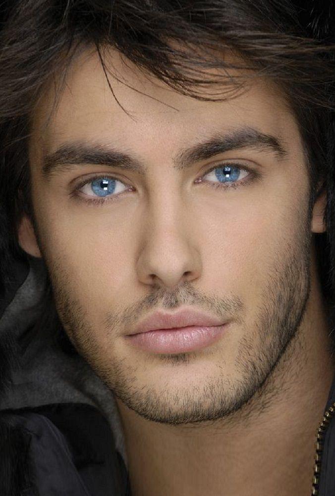 одном картинки мужчина с зелеными глазами вводом