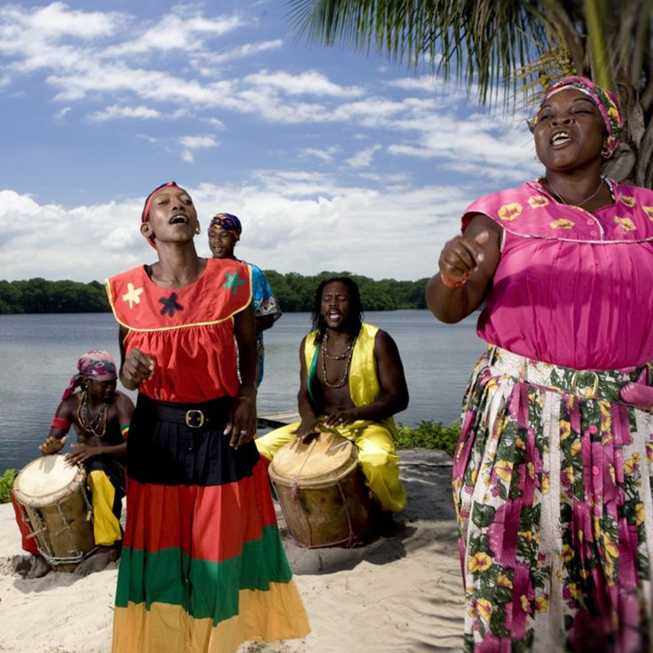 garifuna culture of central america Stephany anguiano cas 114a professor rojo the beauty of the cuna and garifuna culture central america is a country that has many beauties of its own.