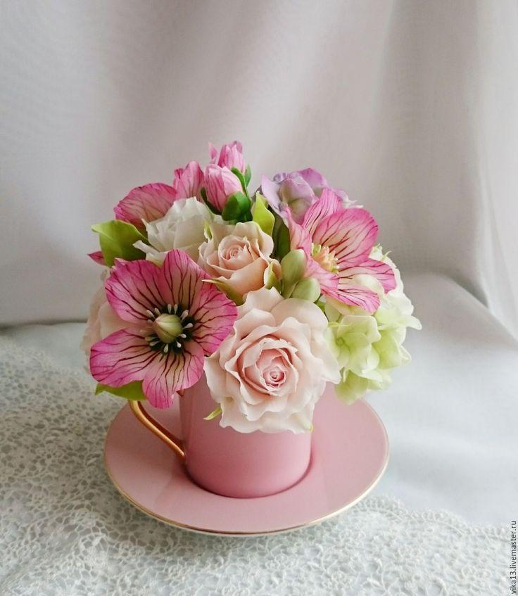Купить или заказать Букет ' Морозник с гортензией' в интернет-магазине на Ярмарке Мастеров. Букет ' Морозник с гортензией' - яркий сочный и весенний!Букет состоит из нежных белых и кремовых роз, розового морозника ,лиловой и зелёной гортензии! Идеальный подарок на любое событие!