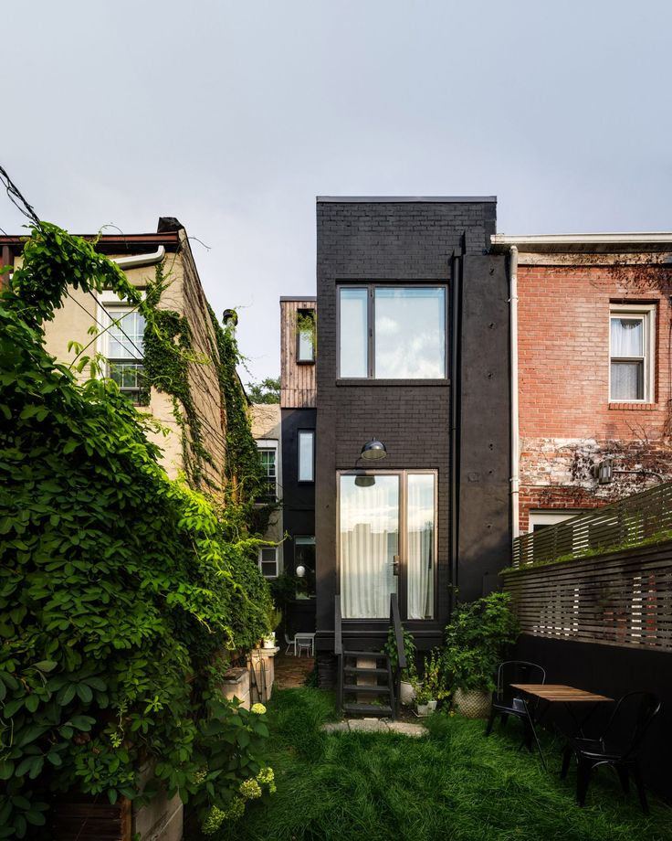 The clients  – an architect, jewelry designer and their two children – opt to remain in the neighborhood but completely overhaul the 93-square-metre residence.
