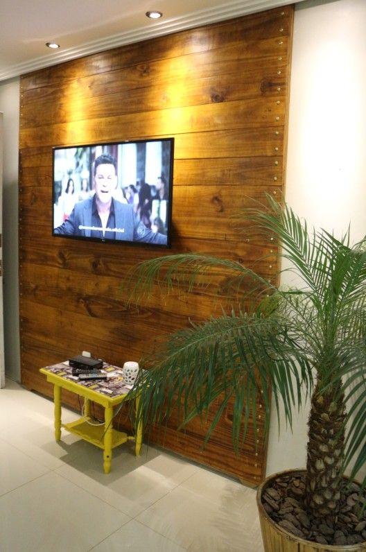 Faça você mesmo painel para TV, de madeira                                                                                                                                                                                 Mais