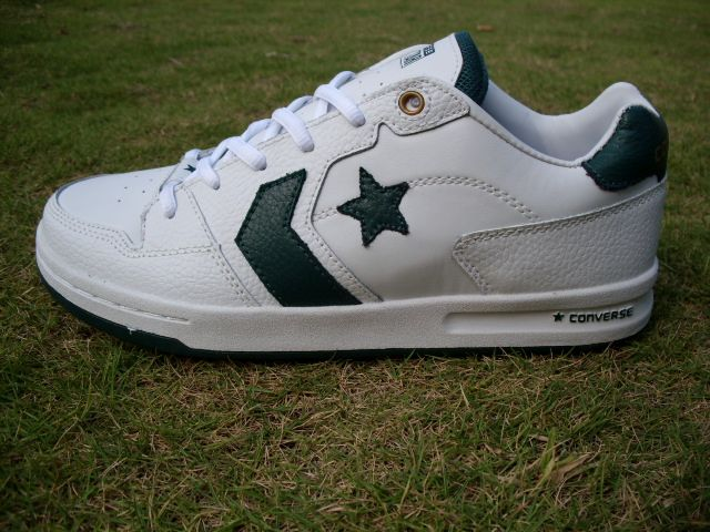 Converse basketball shoes deep green white  #It is good for running #fashion #nice #sports #men's shoes #basketball shoes