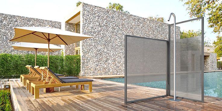 Novità per la prossima estate da @vismaravetro nasce #UNICA, #cabina #doccia per esterni di #design per aggiungere un tocco di #comfort ai tuoi bagni in #piscina! www.gasparinionline.it #cabinadoccia #garden #swimmingpool #luxury