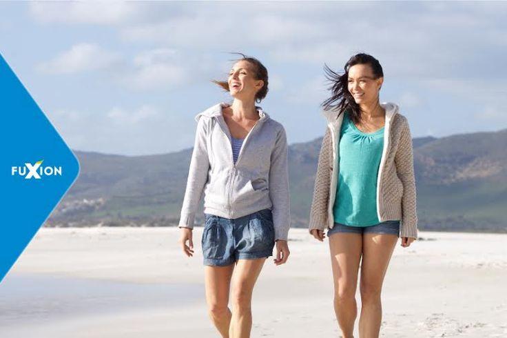 Caminar es uno de los mejores y más sencillos ejercicios que existen. No requiere de habilidades especializadas o equipos costosos. Además, lo puedes realizar en cualquier momento y lugar. Un estudio científico del departamento de nutrición de la Escuela de Salud Pública de la Universidad de Harvard, demuestra que caminar sin detenerse una hora diaria …