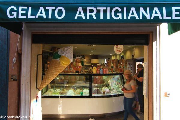 Avoid Gelato artigianale Seek out Venice's best gelato shops. The tiny Gelateria Alaska, tucked away on Calle Larga dei Bari, 1159, in the Santa Croce neighborhood, is Venice's best gelateria in my opinion. Run by owner Carlo, who you'll almost always find behind the counter, makes his homemade gelato daily. When he's out of a certain flavor, that's it for the day. A favorite of mine is the basil (basilico), amazingly refreshing on a hot summer day and pairs perfectly with strawberry…