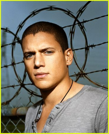 Monday nights just aren't the same without seeing Wentworth's beautiful face :(