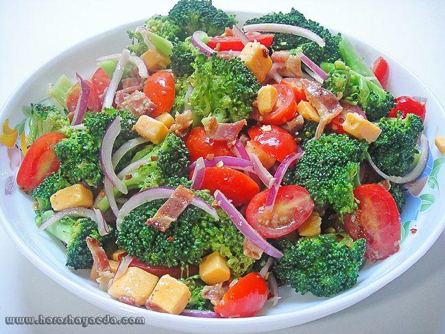 Салат из брокколи и огурца
