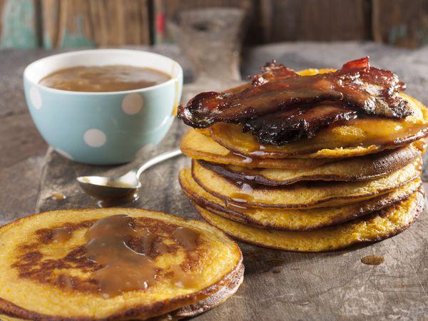 Pumpkin pancakes with caramel sauce