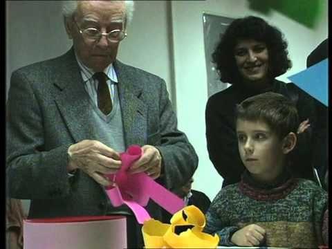 Bruno Munari al Laboratorio Beba Restelli, Video di Donato Di Bello, 1994