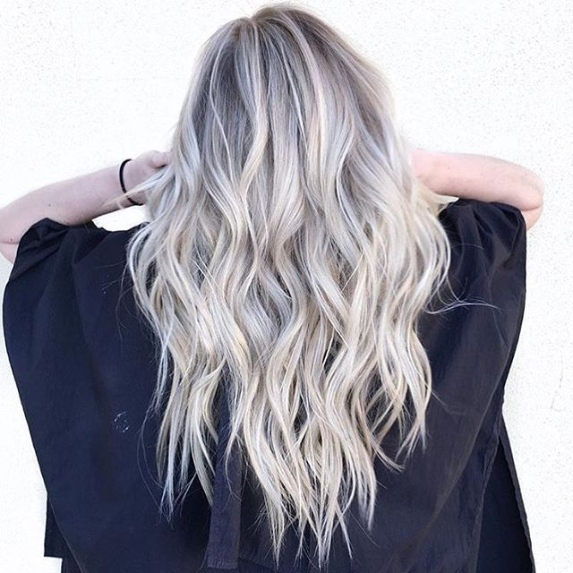 Platinum hair and Olaplex = Dream team combination. ✔️ Color by @hairby_chrissy…