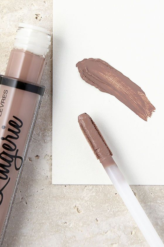 Sensual color and a weightless formula is what youll find with the NYX Corset Nude Lip Lingerie Liquid Lipstick! This creamy formula dries to a luxurious, matte finish. Ingredients: Isododecane, Mineral Oil, Pentaerythrityl Tetraisostearate, Disteardimonium Hectorite, Polycyclopentadiene, Tocopheryl Acetate, Sunflower Seed Oil, Tocopherol, Alumina, Phenoxyethanol, Colorants.