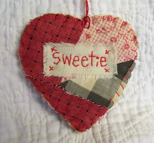 (via french-knot): Craft, Quilt Ideas, Hearts Valentines, Quilted Heart, French Knot, Hearts Love Valentines, Valentine S, Antique Quilt