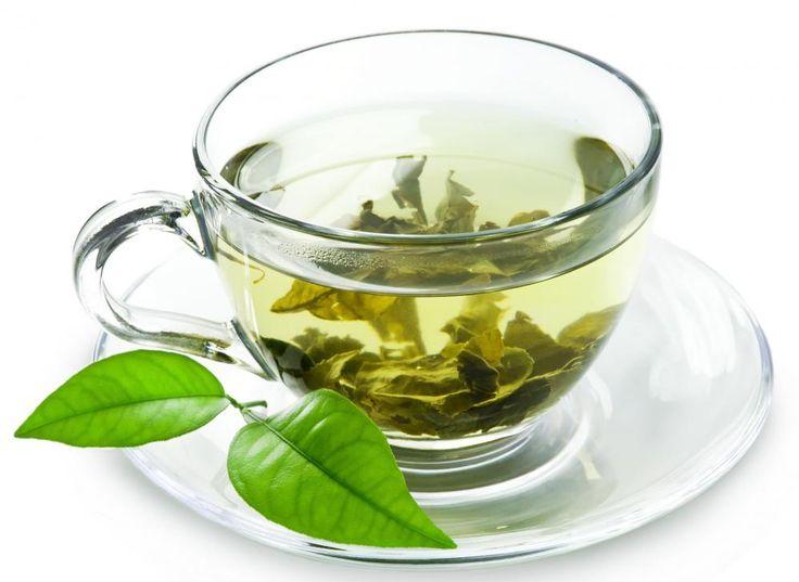 TE VERDE – Entre sus beneficios, se encuentran el combate al cáncer y a las enfermedades cardiacas. Es menos procesado que el té negro