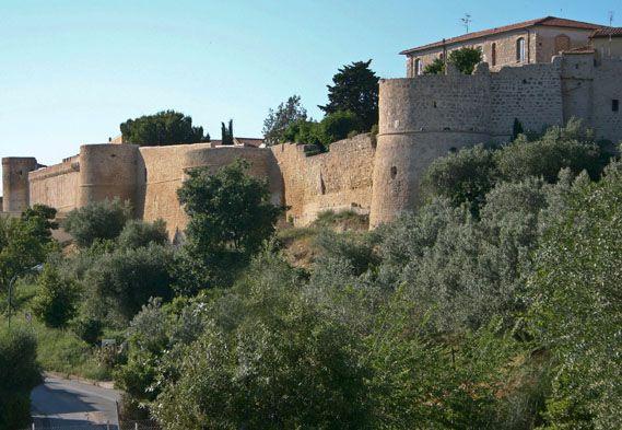 Tra i fiumi Fiora ed Albegna nasce Magliano, un capolavoro della nostra terra.    http://www.justintoscana.com/localita/magliano-in-toscana