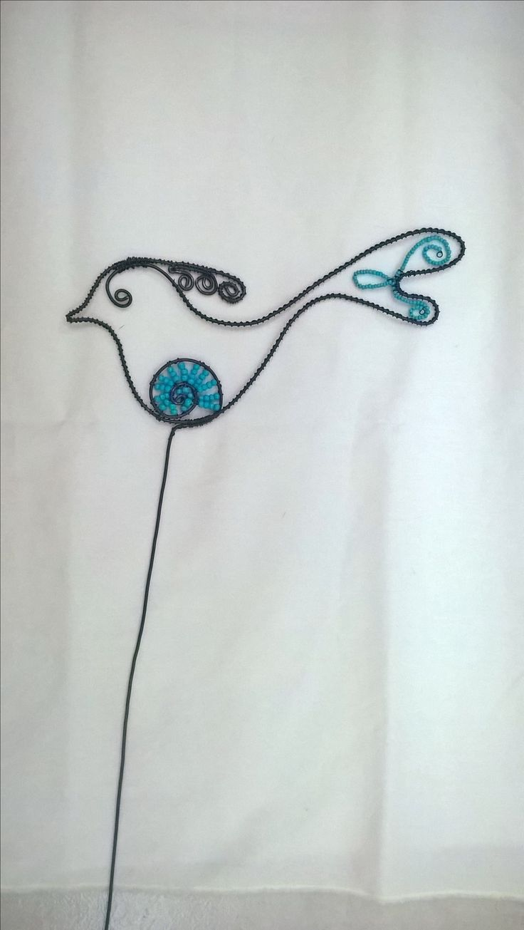 Wire bird with blue beads drátovaný ptáček s modrým rokajlem