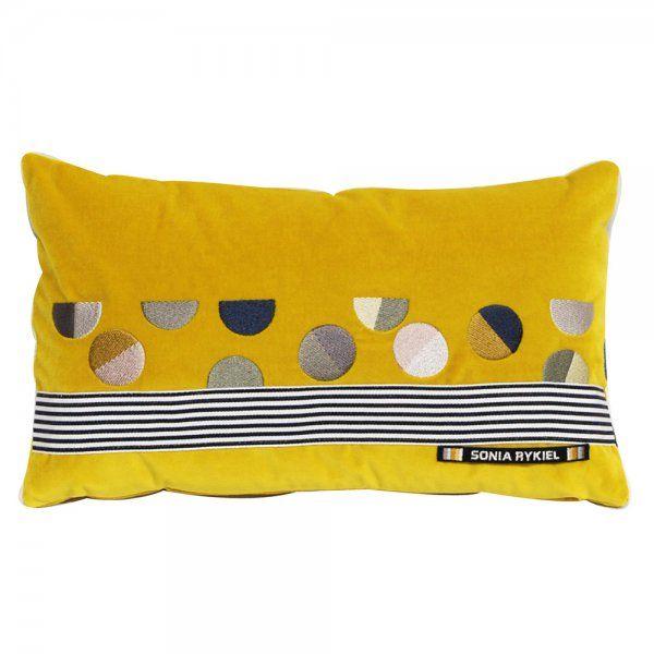 1000 images about coussins et plaids cushions on pinterest. Black Bedroom Furniture Sets. Home Design Ideas