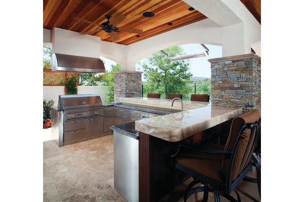 Danver ioutdoor BBQ range hoods that are large enough to fit the width of an outdoor grill.