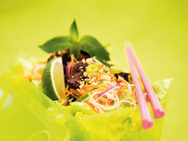 Vietnamesisk nudelsallad med biff (kock Monica Eisenman)
