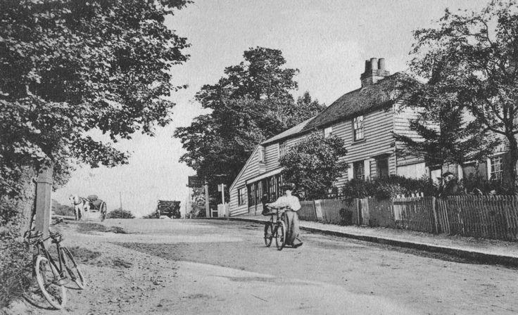 Kings Head Hill, Chingford. Circa 1900's