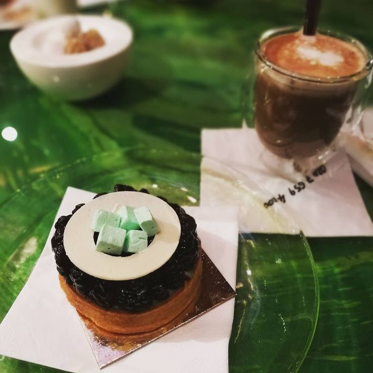 Vanilla/Blackcurrant Tart: Sablé Pastry with Blackcurrant Compote, Vanilla Crème Brûlée. Delicious #food #instafood #foodporn #cake #london