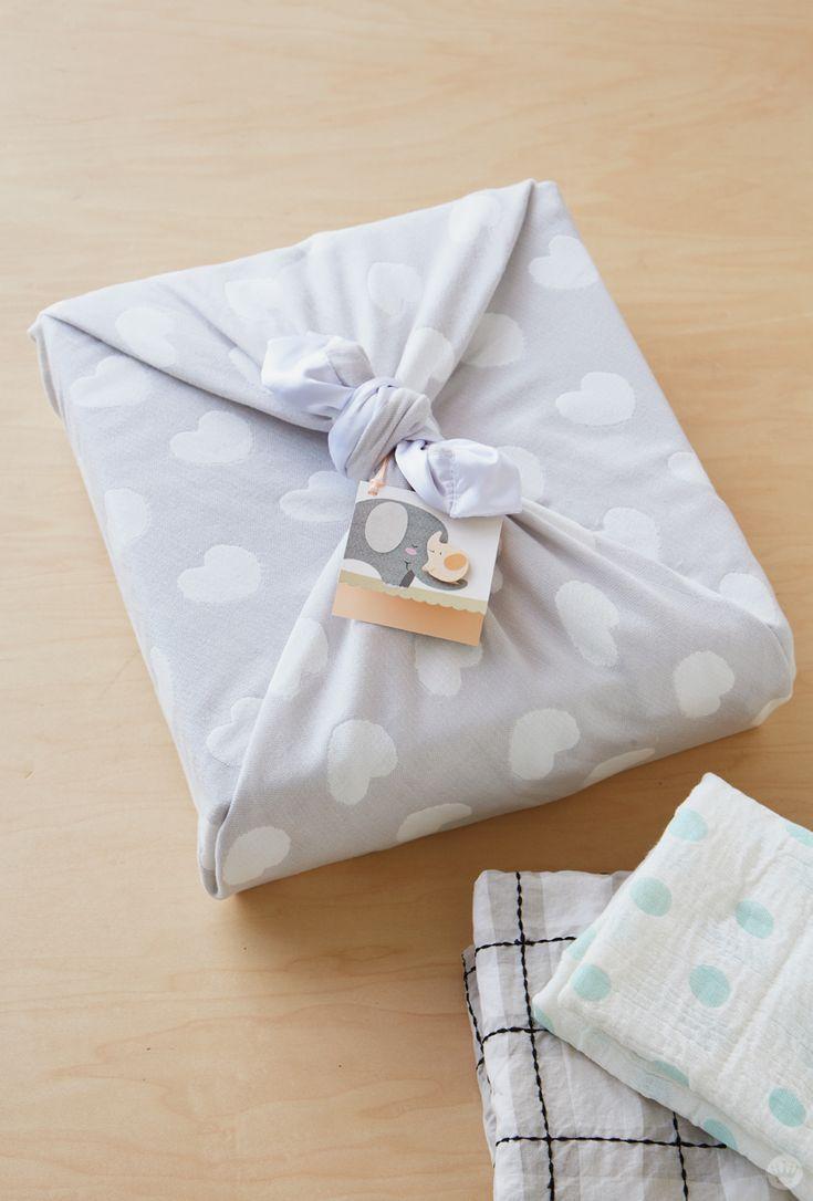 Baby gift wrap ideas showered with love geschenke