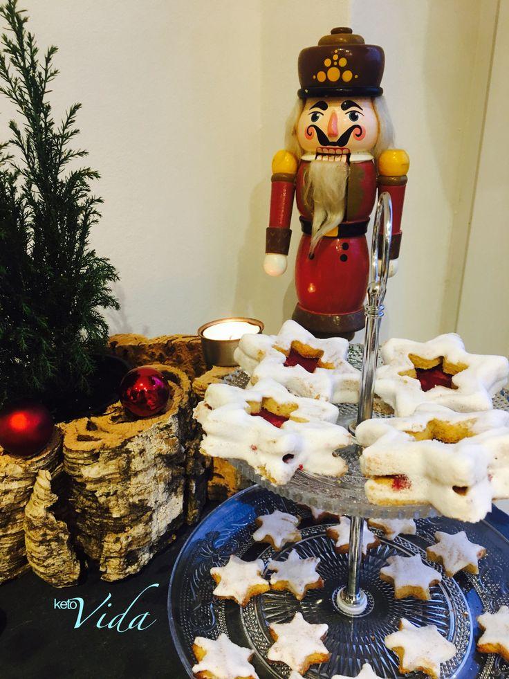 Ein Klassiker unter den Weihnachtsplätzchen: Die Spitzbuben. Diese Low Carb Version darf Weihnachten ohne Reue genascht werden.