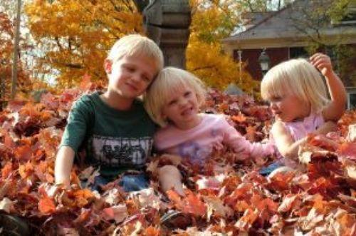 For our fall photos!Fall Families, Photos Ideas, For Kids, Autumn, Fall Food, Fall Fun, Families Photography, Families Activities, Fall Photos