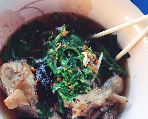 I had noodle soup with chicken feet the other day.