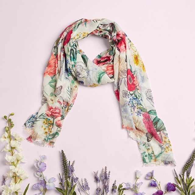 Out with the woolies, in with the spring scarves 💐 #Accessorize #scarf #spring #floral