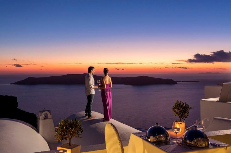 For the romantic souls… Tuck into a delicious gourmet meal at the Astra ‪Restaurant‬, while indulging in a world of unparalleled ‎sunset‬ views... Cheers!
