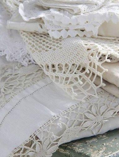 umla:  (via Vintage linens  crochet | Linen  Lace IV)