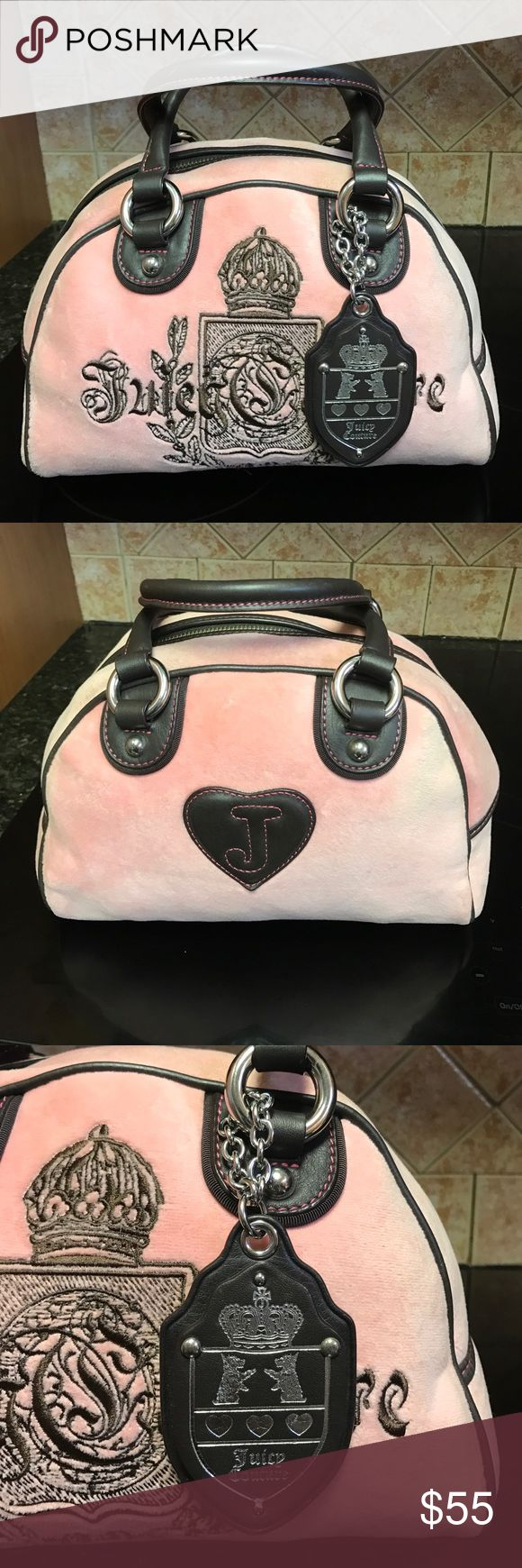 Designer juicy couture purse 👛 handbag Handbag 👜 in baby pink velour brown leather handles with silver metal chains and logos one zipper pocket and two small pockets inside , with a heart mirror look 👀 new very good condition Juicy Couture Bags