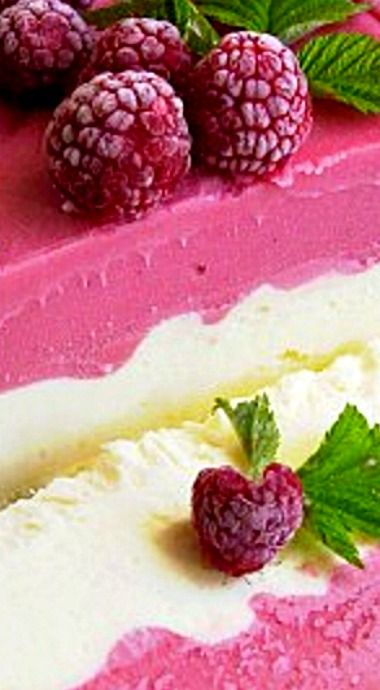 Raspberry Summer Sensation Frozen Dessert - This is a simple make-ahead dessert that appeals to the eye and is delicious as well! ❊